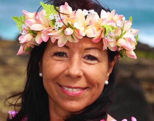 Hawaiianischer HULA TANZ mit Bettina Pomaikai Fron